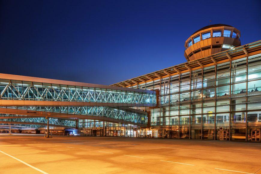 İzmir Havaalanı